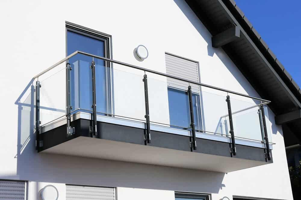 glass balcony manufacturer Bedfordshire