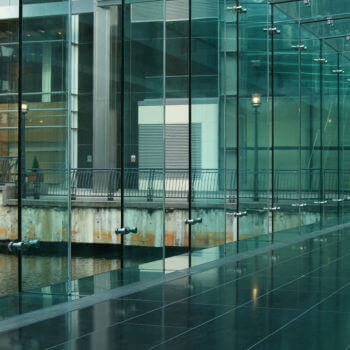 toughened glass suppliers Bedfordshire