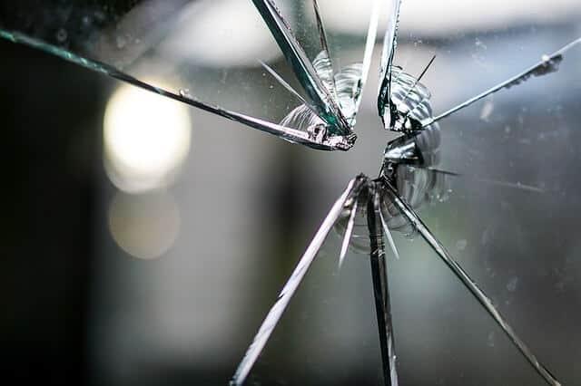Quick & Efficient Emergency Glass Repair